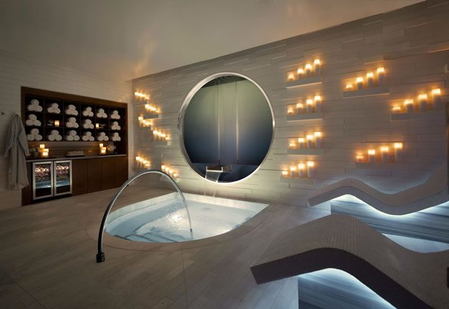 how-to-have-the-vegas-wedding-of-a-lifetime-ESPA-at-Vdara-whirlpool