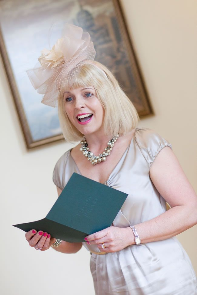 how-to-overcome-nerves-if-youre-giving-wedding-reading-or-speech-mirrorimaging.co.uk