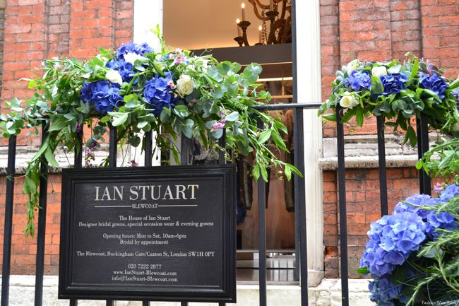 ian-stuart-launches-dazzling-new-occasionwear-collection-for-mums-ian-sign
