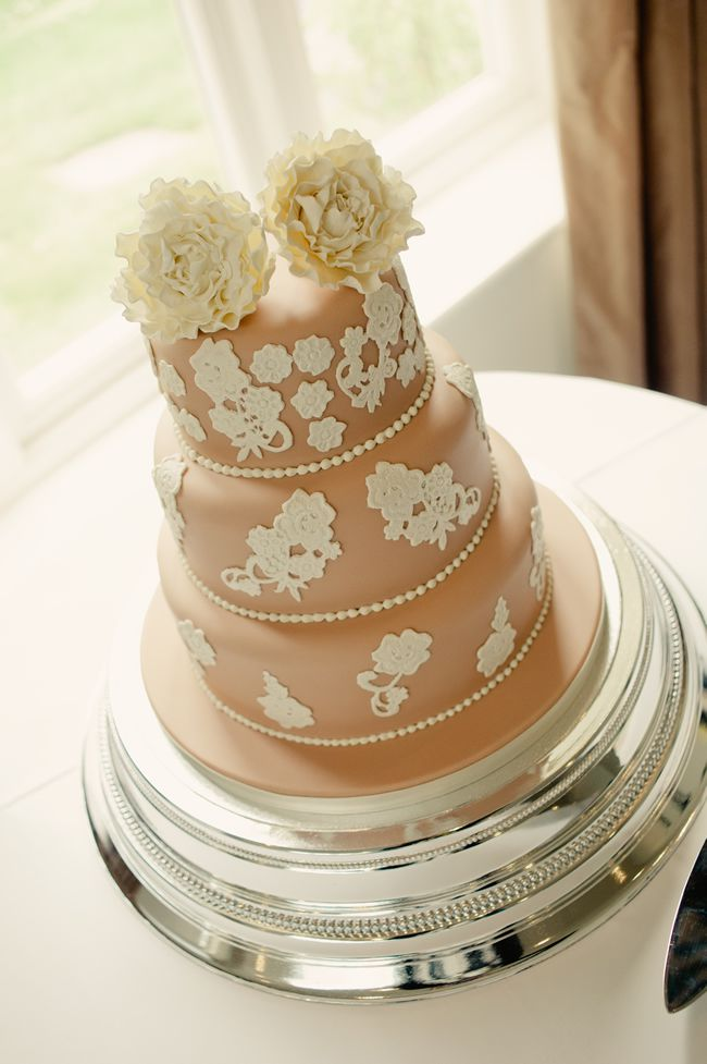 kaymi-and-lees-vintage-wedding-was-a-blend-of-western-and-eastern-traditions-kerriemitchell.co.uk-01276
