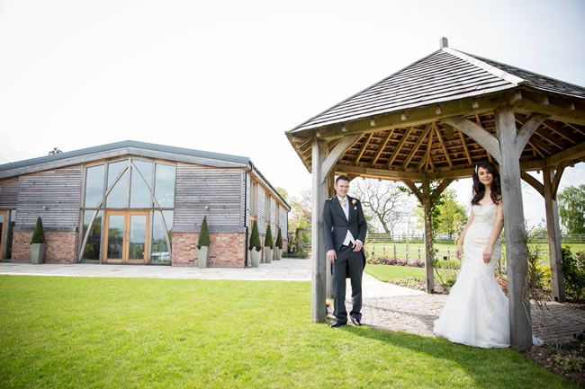 save-money-with-these-last-minute-wedding-venues-for-2014-mythe-barn-rebecca-dawe