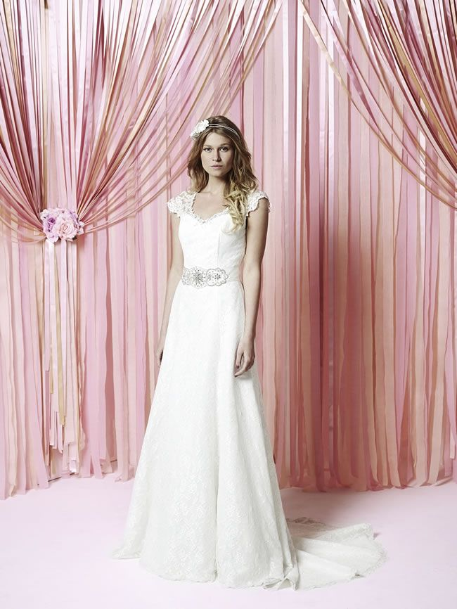 take-a-look-at-the-stylish-new-iscoyd-park-collection-from-charlotte-balbier-abbie