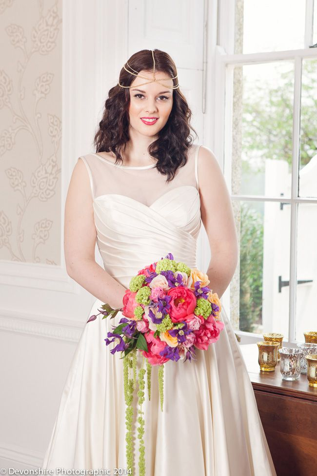 want-a-bright-wedding-theme-youll-love-this-styled-shoot-bouquet