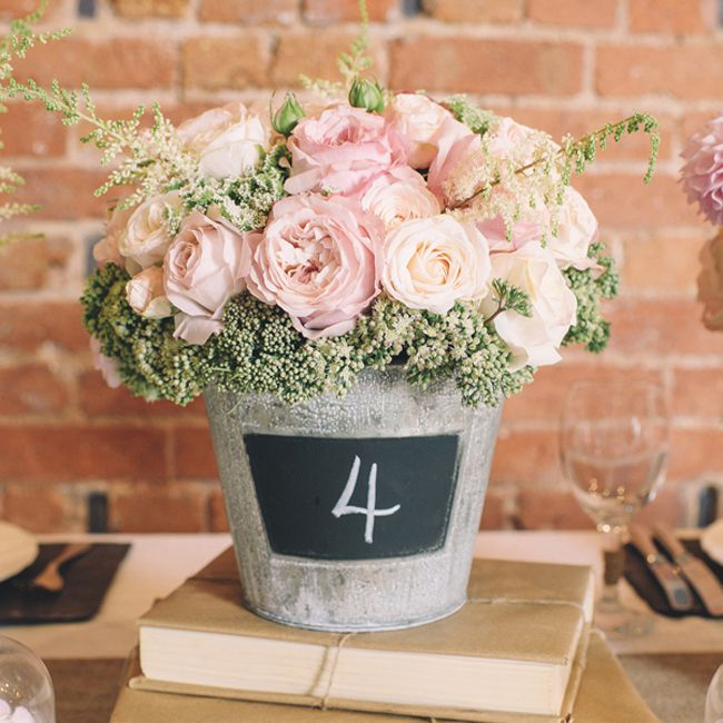12-budget-friendly-finishing-touches-for-your-wedding-reception-Blackboard-Bucket