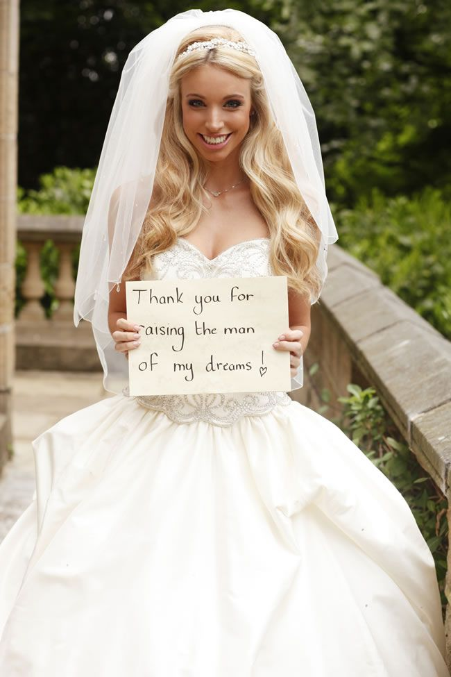 13-emotional-wedding-photos-guaranteed-to-make-your-mum-cry-And-One-For-The-Mother-of-the-Groom-annafowler.com