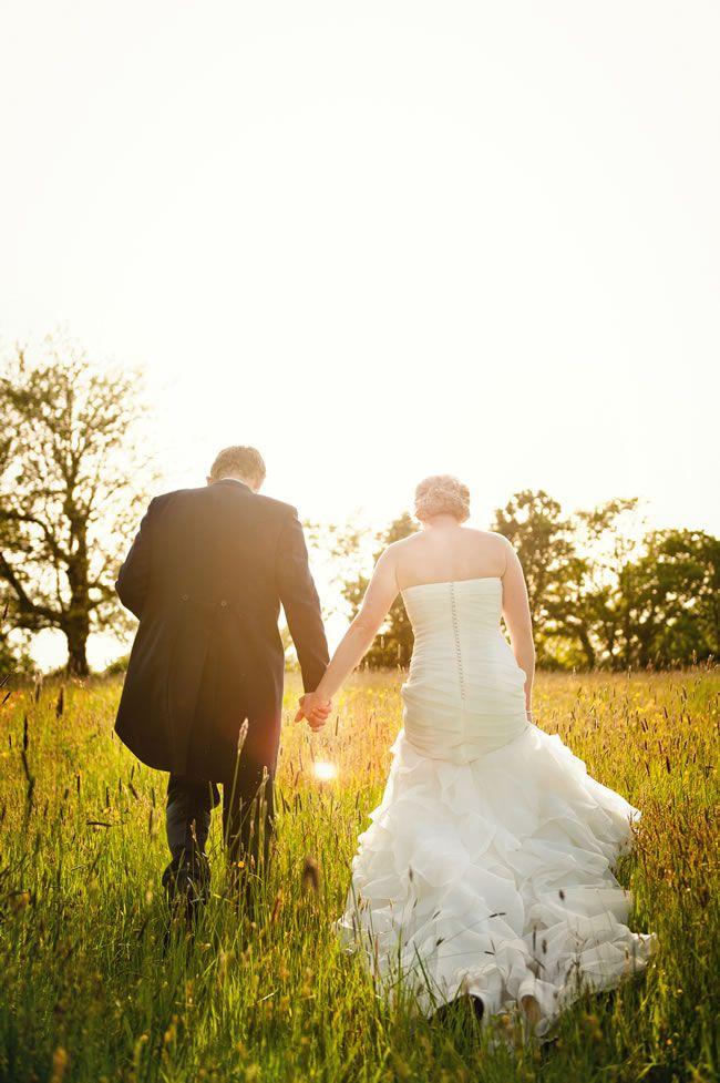 13-emotional-wedding-photos-guaranteed-to-make-your-mum-cry-Walking-Off-Into-The-Sunset-samanthadavisphotography.com