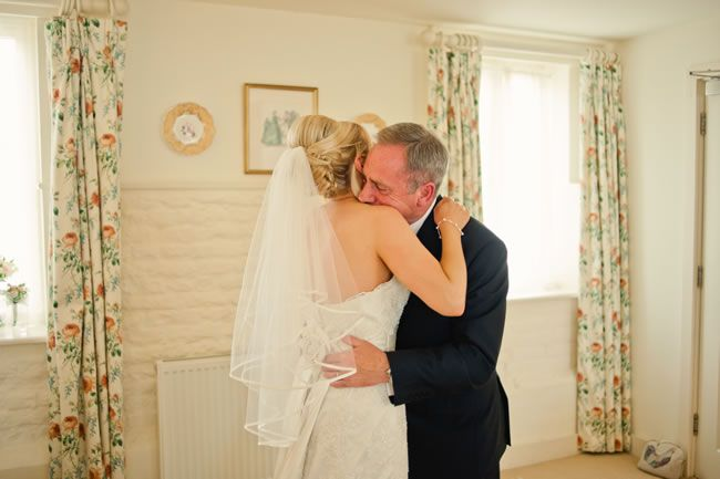 13-emotional-wedding-photos-guaranteed-to-make-your-mum-cry-Your-Dad's-First-Look-kerriemitchell.co.uk