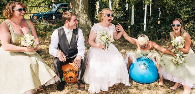 14-of-the-quirkiest-moments-captured-at-real-weddings-cassandralane.co.uk-featured
