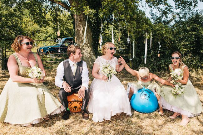 14-of-the-quirkiest-moments-captured-at-real-weddings-cassandralane.co.uk