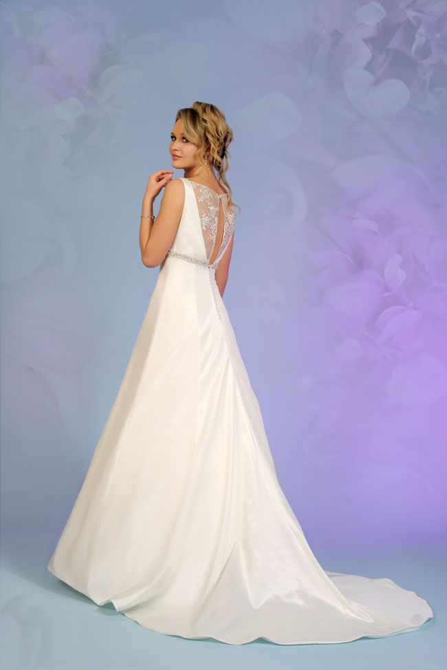 7-of-the-best-new-budget-wedding-dresses-for-2015-5504-2a