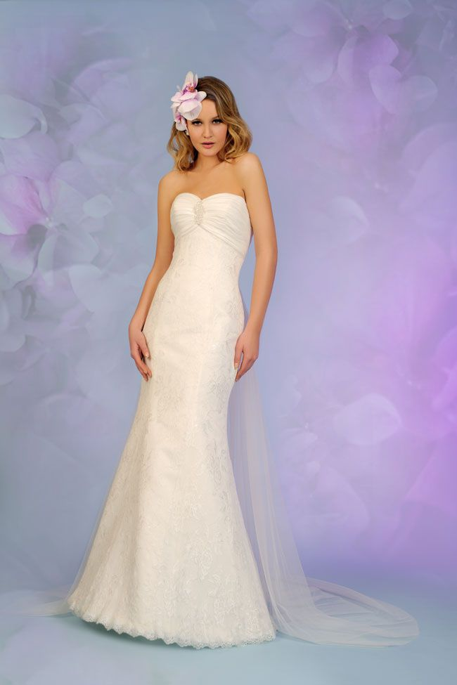 7-of-the-best-new-budget-wedding-dresses-for-2015-5508-1a