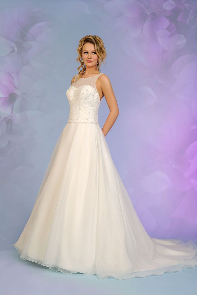 7-of-the-best-new-budget-wedding-dresses-for-2015-5512-1a