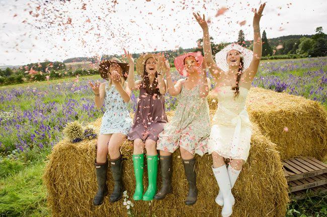 confetti-photograph-ShropshirePetals.comGirlsHavingFunConfettifrom£11.25perlitre