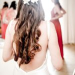 how-to-get-impossibly-perfect-wedding-hair-before-the-big-day-pips-Tom_barnes