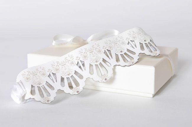 how-to-give-your-first-night-a-50-shades-of-grey-twist-lace-laser-cut-garters-© forecast-design