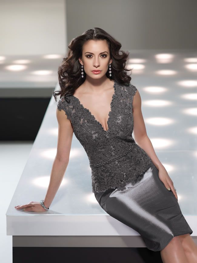 social-occasions-by-mon-cheri-is-perfect-for-glamorous-mums-214844_GREY_CRP_030