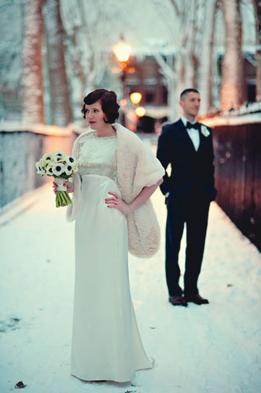 How to warm up a winter wedding © Eliza Claire Photography