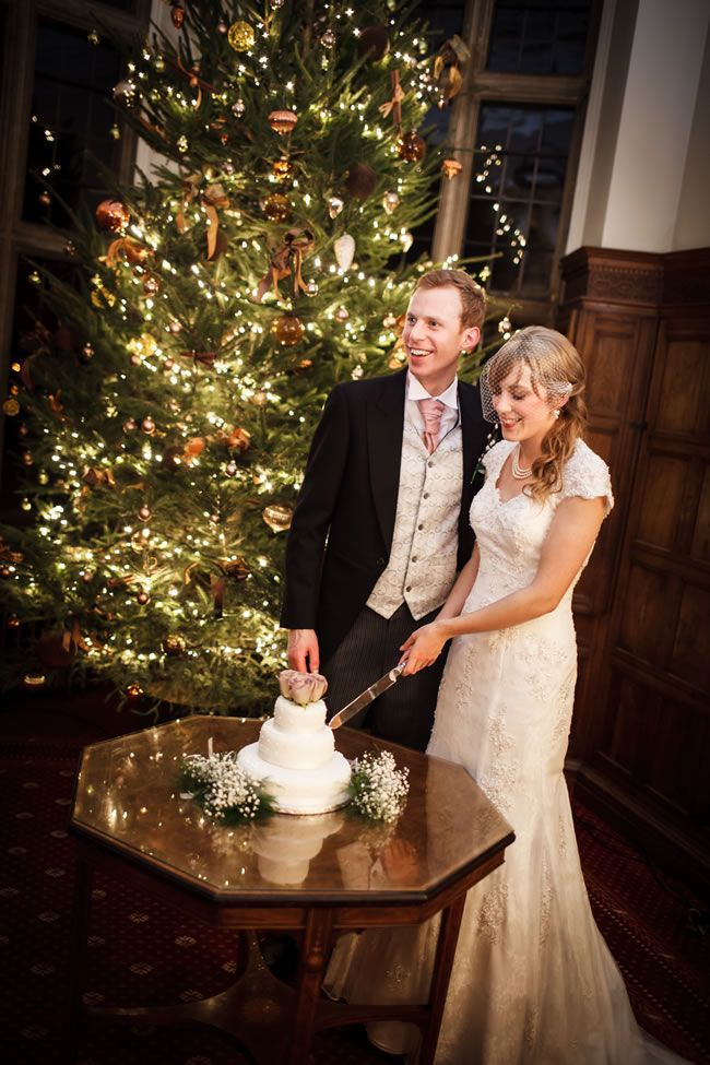 How to warm up a winter wedding © linaandtom.com