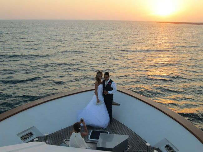 we-love-leanne-and-georgies-glamorous-yacht-wedding-in-sunny-cyprus-1010035