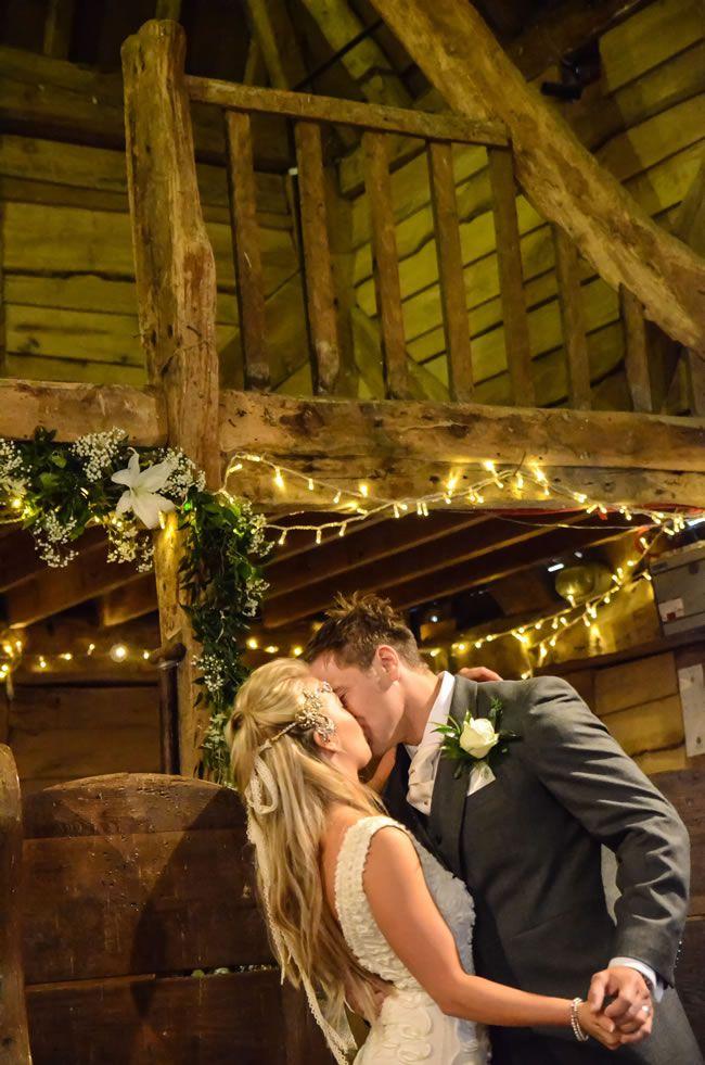 we-love-sophie-and-pauls-flower-filled-festival-wedding-zarapricephotography.com-momento-online.com--162