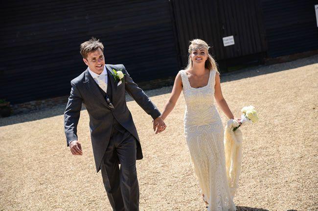 we-love-sophie-and-pauls-flower-filled-festival-wedding-zarapricephotography.com-momento-online.com--312