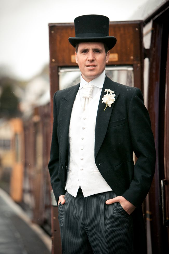 winter-wedding-read-these-style-tips-for-your-groom-owenhowells.com