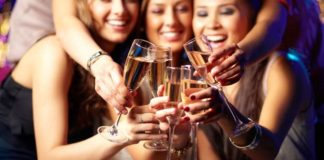 6-of-the-best-autumn-hen-party-deals-from-ukgirlthing-5-girlgroupchampagneweb