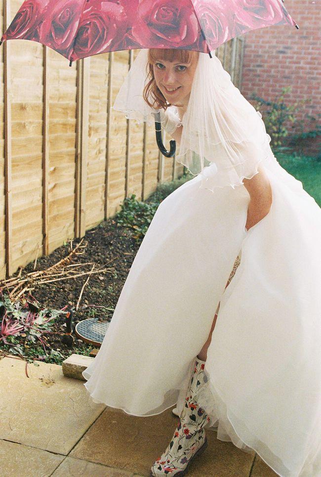 bridal-essentials-theowlandthepussycatweddingphotography.co.uk 00230023