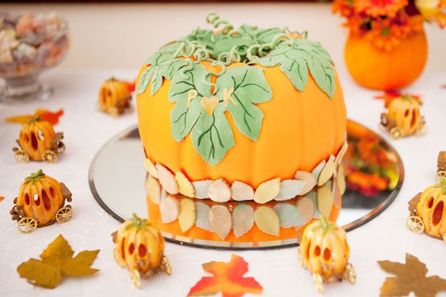 creative-cakes-HayleyRuth Photography  - Paul and Kathryn-1011
