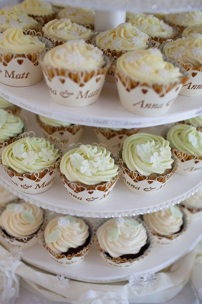 creative-cakes- chrisfishleighphotography.com Anna & Matt-305