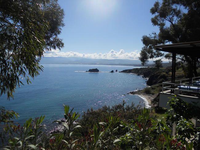 cyprus-honeymoon-Aphrodite's Rock 1