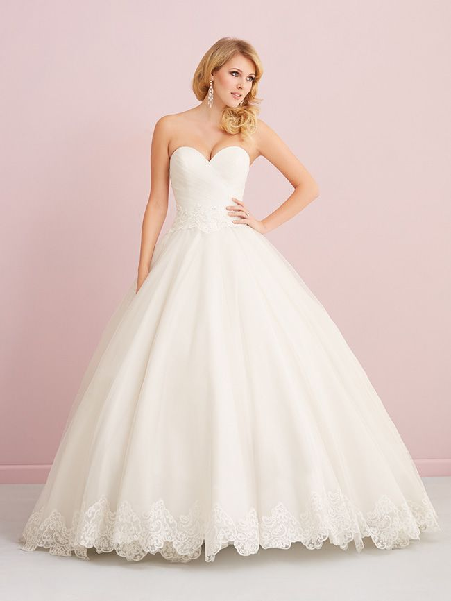 looking-for-vintage-lace-wedding-dresses-youll-love-allure-romance-2757F