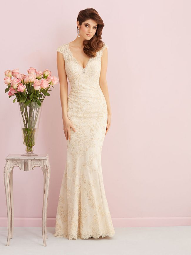 looking-for-vintage-lace-wedding-dresses-youll-love-allure-romance-2758F