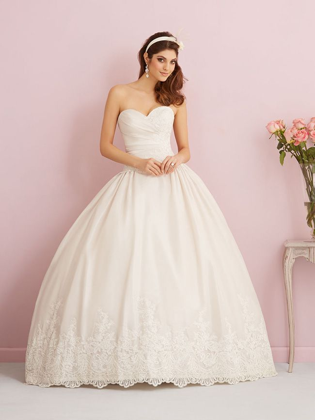 looking-for-vintage-lace-wedding-dresses-youll-love-allure-romance-2766F