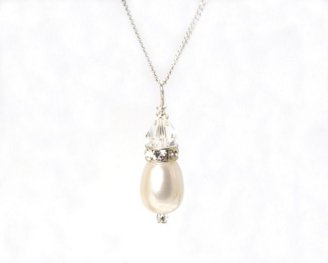 real-brides-reveal-how-they-found-their-perfect-bridal-accessories-julieannbeads.co.uk-Allure-Purely-Pendant-Necklace-a-ú30.00