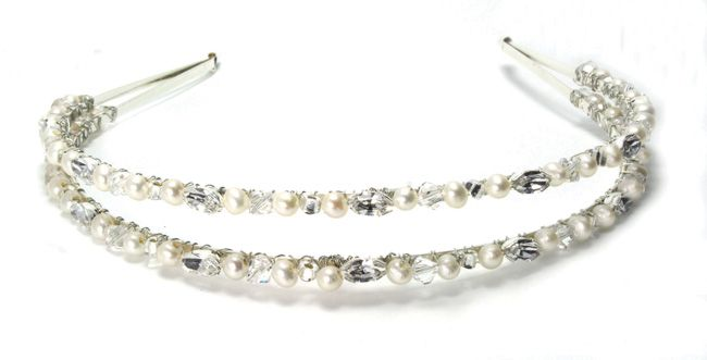 real-brides-reveal-how-they-found-their-perfect-bridal-accessories-julieannbeads.co.uk-Evelyn-Headband-ú82.50