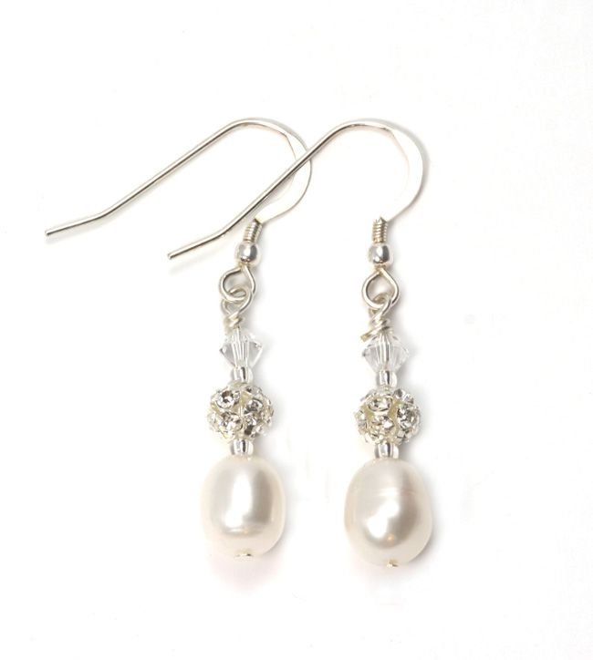 real-brides-reveal-how-they-found-their-perfect-bridal-accessories-julieannbeads.co.uk-Fiona-Earrings-ú22.50