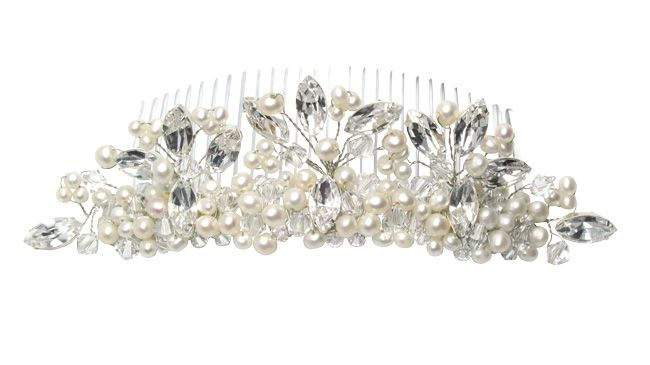 real-brides-reveal-how-they-found-their-perfect-bridal-accessories-julieannbeads.co.uk-Lily-Tiara-Comb-ú89.00