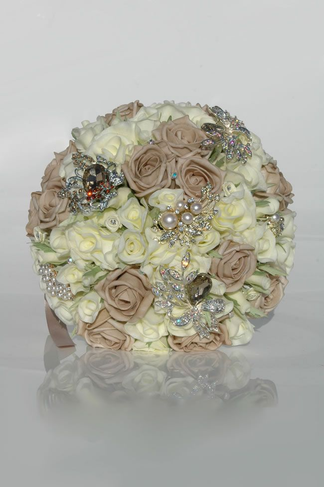 autumn-silk-blooms-morena-mocha-ivory-rose-bride_3