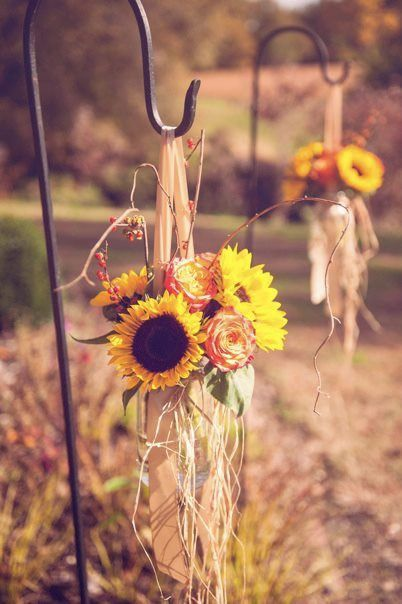 autumn-wedding-pinterest- Found on blog.weddingfavours.ca
