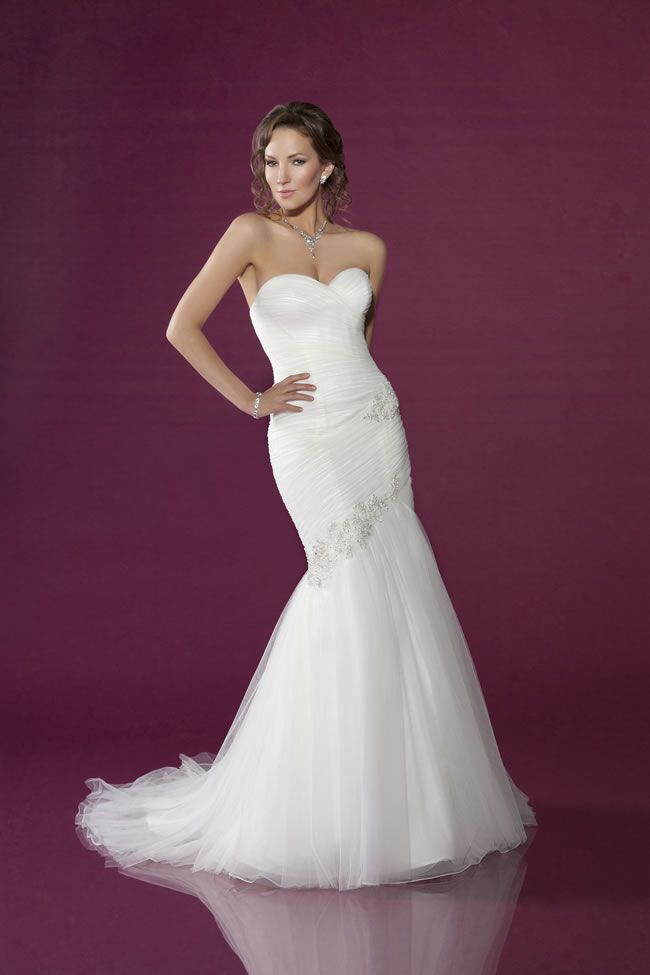 best-strapless-dresses-benjamin-roberts-2402A Front