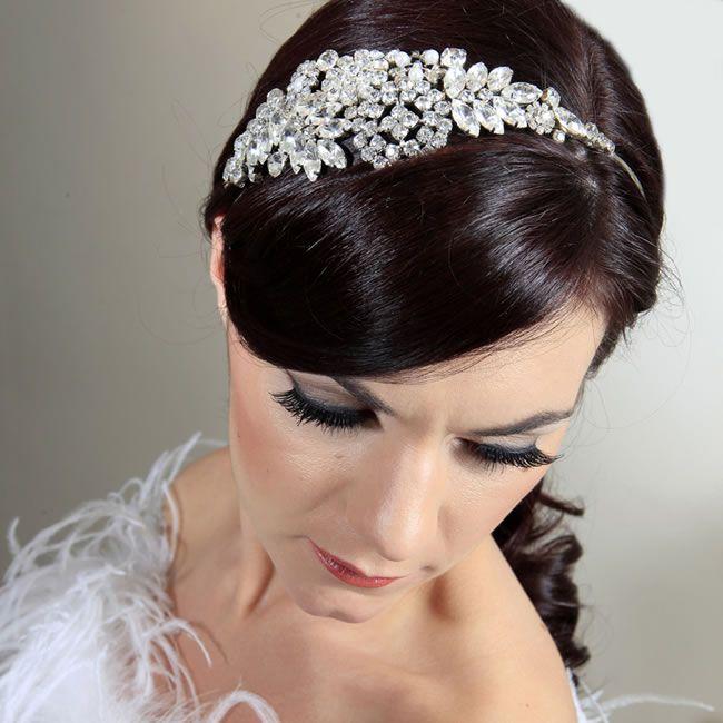 glamourous-gowns-headpiecewedideas