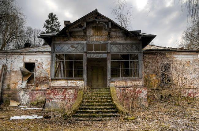 halloween-chillisauce-Haunted House