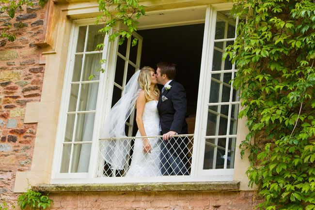 maunsel-house-Balcony Kiss