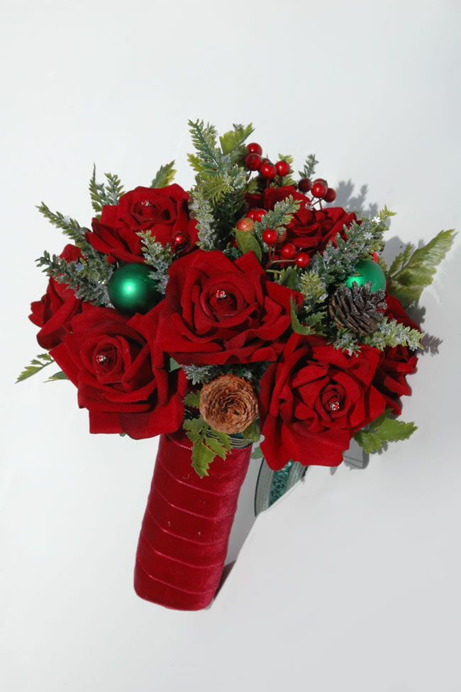 silk-blooms-winter-wedding-celyn-red-rose-bride_2