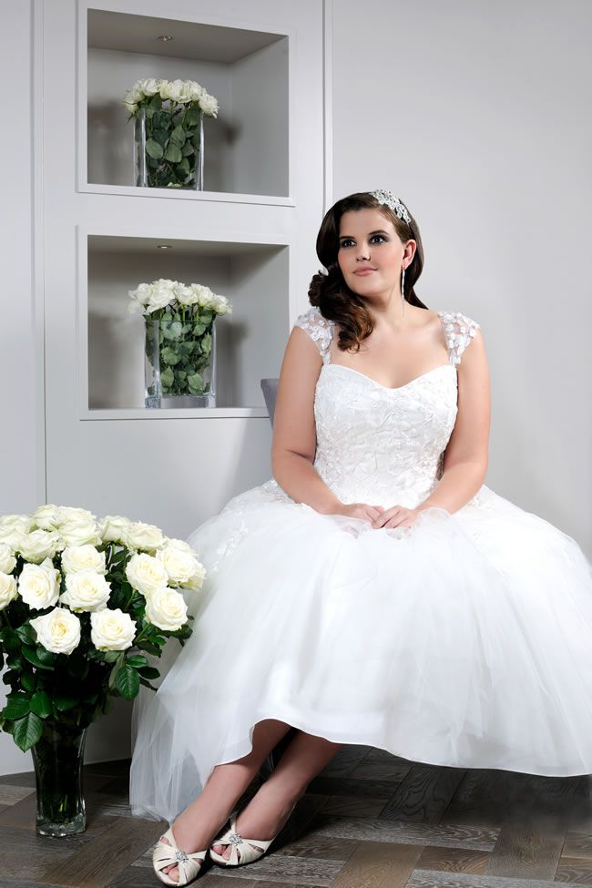 Robe de mariée grande taille queen anne