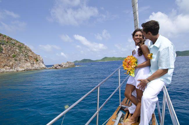 intimate-weddings-BVI_Yacht Wedding