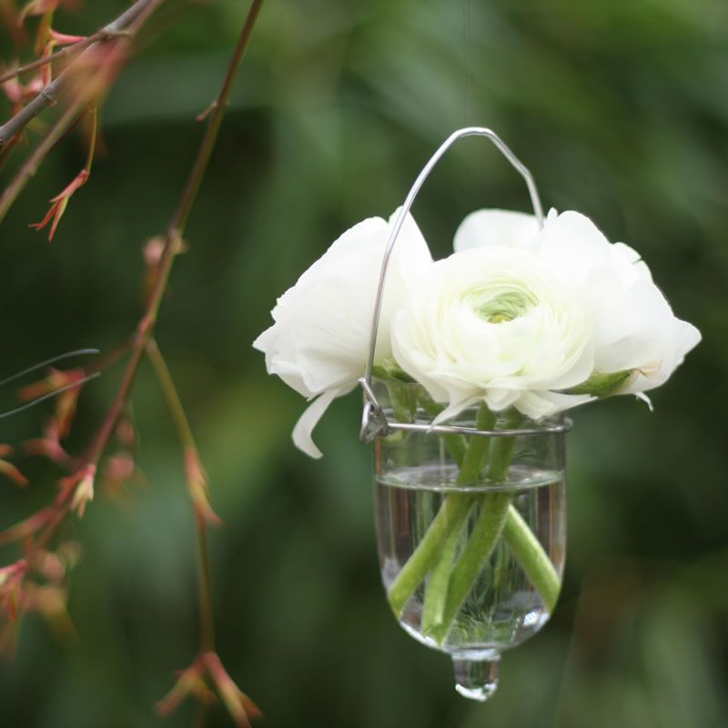10-wedding-decorations-no-reception-hanging bud vase £3 The Wedding of my Dreams (1)