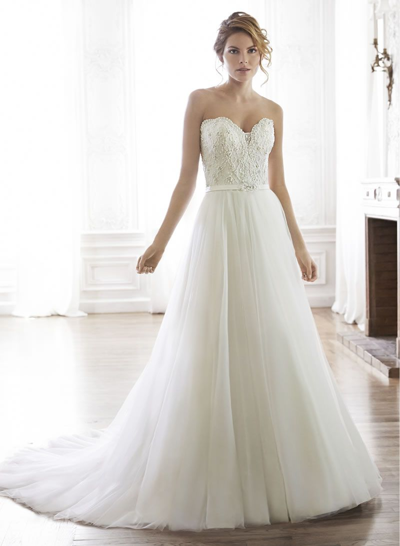 30-best-strapless-dresses-Maggie Sottero Enza