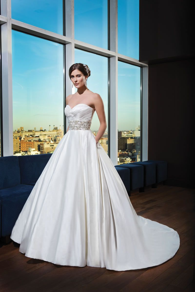 30-best-strapless-dresses-justinalexanderbridal.com 9752_021_HDR_DETAILS